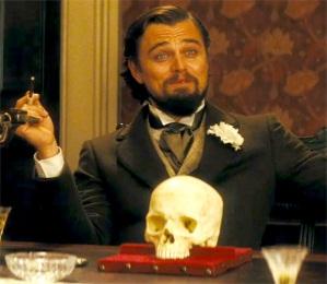 Calvin Candie (diCaprio) et le crâne de Old Ben!